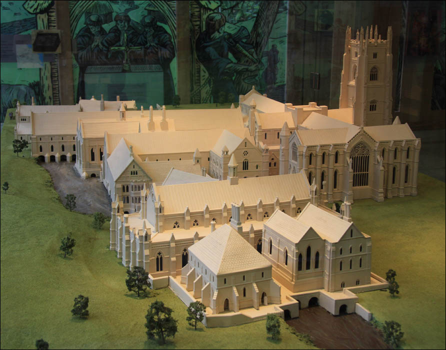 http://www.capper-online.de/Travel/UK2/02_B_Model_Fountains_Abbey.jpg